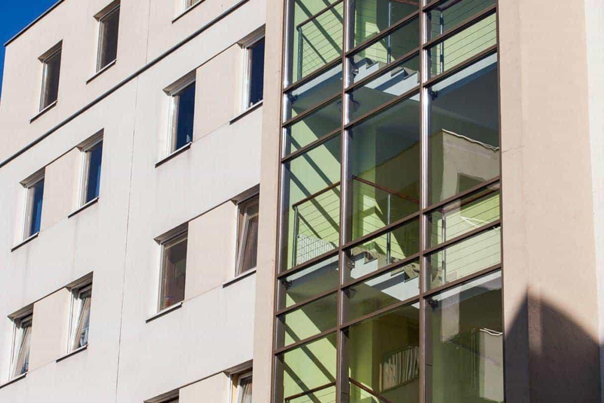 Okna aluminium w bloku w Bydgoszczy - Stolmar.
