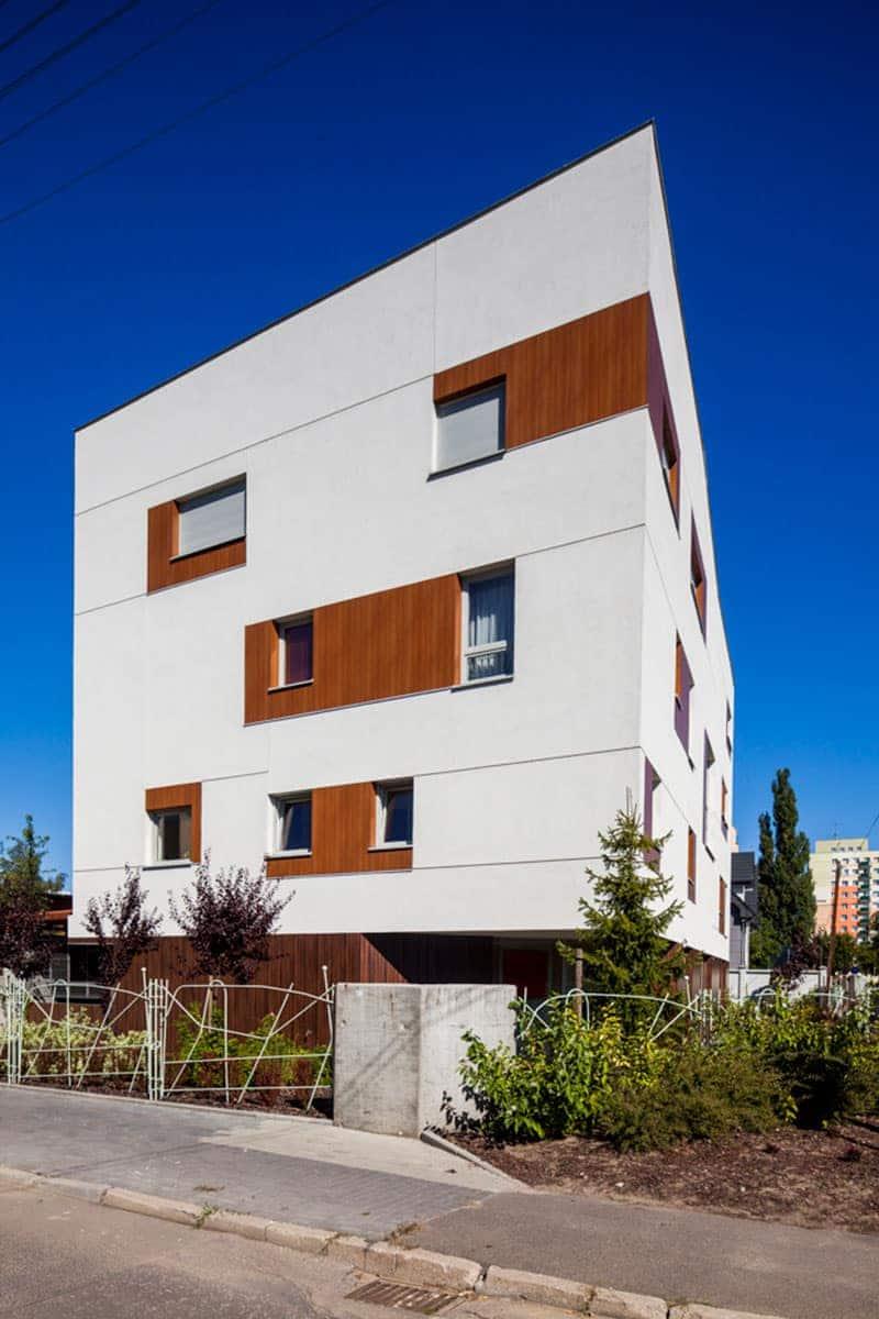 Okna Stolmar dla mieszkań w bloku na ul. Cichej.