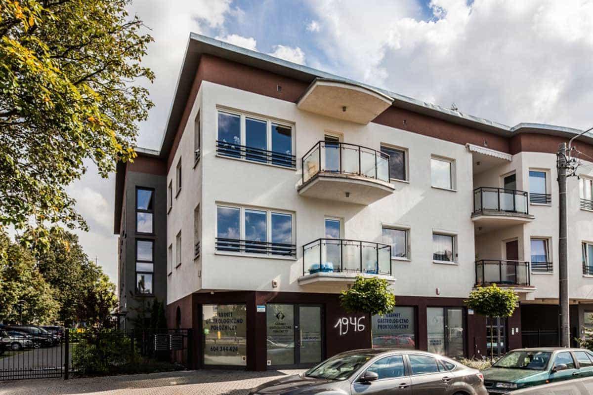 Okna Stolmar dla mieszkań w bloku na ul. Mierosławskiego.