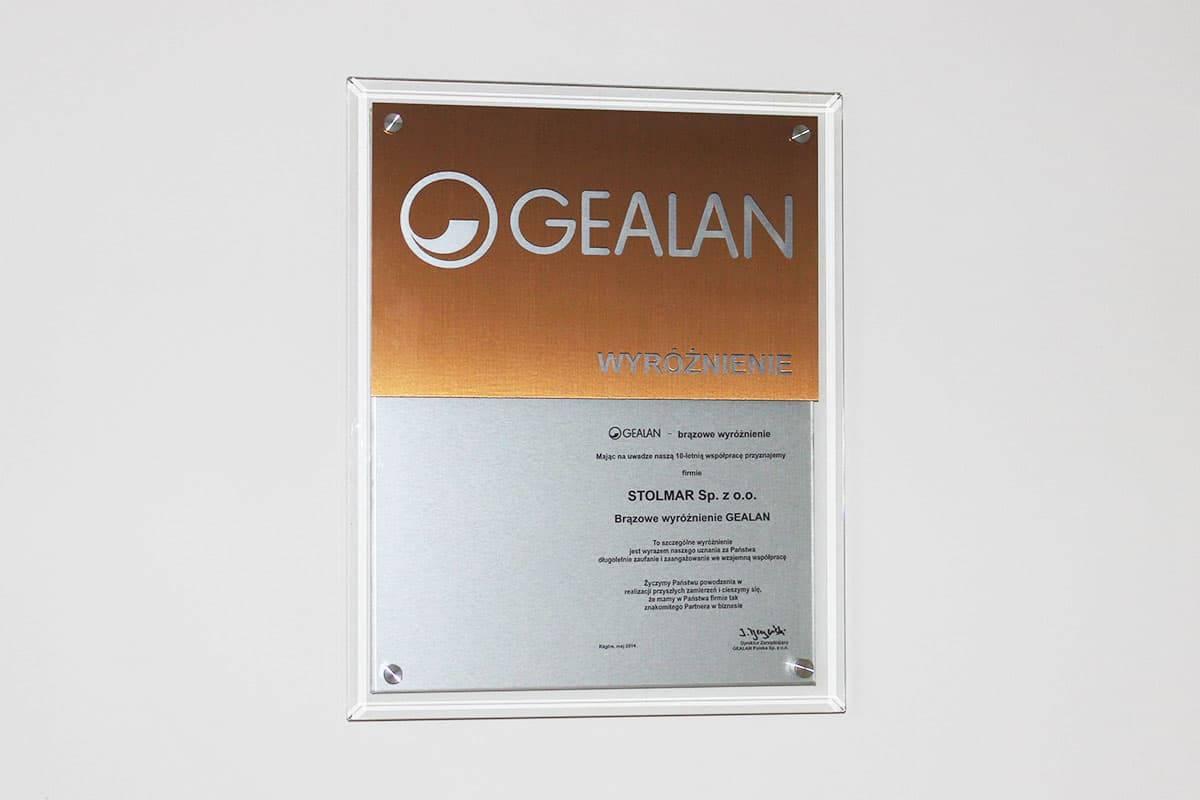 Brązowe wyróżnienie od firmy Gealan za 10-letnią współpracę.